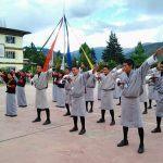 Hơn 200 học sinh và giáo viên đã học các bài công pháp ở Vương quốc Bhutan